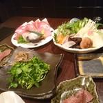 63347327 - 豚 タン 蛸 野菜盛り