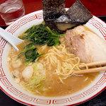 境川パーキングエリア (上り線) - 横浜風ラーメン、500円。