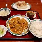 63366113 - 日替わりランチの「鶏ささみチリソース定食」(500円)
