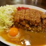 キッチン すみっこ - 「カツカレー」(750円)+「生卵」(50円)