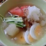 笑顔の豚 - 高コスパ(^^♪前菜も付いて600円・あっさり味の冷麺