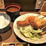 Kushiagedokoromikushi - 月替わりランチ(ミンチカツと串5本)