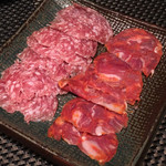 63379859 - ミラノ産サラミとイベリコ豚のチョリソー(900円/葉隠) 2017.2