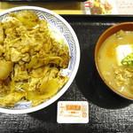 吉野家 - 「豚生姜焼丼」の「アタマ大盛り」