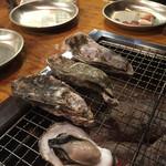 牡蠣小屋浜焼番兵 -