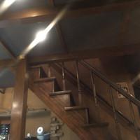 わさび-すごく趣きのある階段