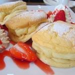 カフェ ジョリオン - 苺のパンケーキ