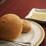 マゼランズ - 米粉パンと玄米パン