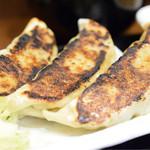 餃子と牛たん 居酒屋おおとら - 大餃子定食@税込900円:3個でも、かなりガッツリ