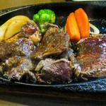 ステーキハウス・キッチンブル - ランチのステーキでもこのクオリティ・・・美味いですッ!
