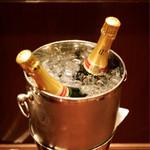ウルフギャング・ステーキハウス - シャンパン