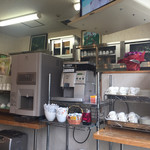 タウンホテルミナミ - 2017年3月。セルフのコーヒーとお茶コーナー。