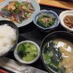おくだ - カツオタタキ定食 700円