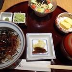 hitsumabushiwashokubinchou - ◆まぶし丼ランチ(1480円:外税)・・まぶし丼・出汁巻玉子・お吸い物又は赤だし・サラダ・香の物・薬味などのセット。 食後に珈琲(アイス又はホット)が付きます。