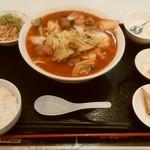 上海台所 - 麻辣牛バラ麺の無料大盛り、¥850。