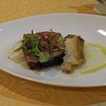 トゥ・ラ・ジョア - 薩摩黒牛と鮑の一皿
