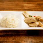 焼鳥 ブロシェット - ブルーチーズポテサラとエリンギ