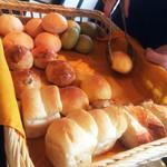 サウス パラダイス - 焼きたてパンたち