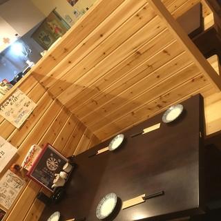 半個室風のテーブル席!人気です。