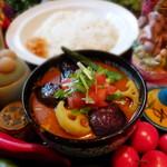 パンチマハル - 野菜と鶏出汁のさらさら野菜カレー