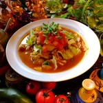 パンチマハル - さらさらチキンカレーをフォーの麺で