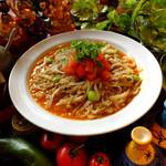パンチマハル - さらさらキーマカレーをフォーの麺で