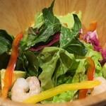 koshitsusute-kiandoitariandainingubaiorettothiga- - 「小海老とアボカドのサラダ -オリジナルドレッシング-」