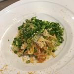 63427542 - ズワイ蟹と蕪のタリアテッレ。タリアテッレじゃないかも(笑)。蕪の存在感はなかったけど、優しい味のパスタでした。