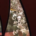 63427593 - 造花ではございますが、お花見をしてるような感覚も楽しめる(^-^)