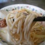 江山楼 - 特製什景湯麺(特上ちゃんぽん) 麺