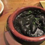 シャティバ - 小イカの墨煮