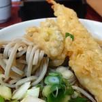 あずみ - 大海老と舞茸の天ぷらそば650円