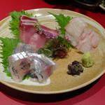 日本酒と蕎麦 中野いざ宵 - お刺身盛り合わせ