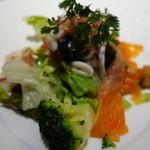 63444369 - 海の幸と野菜の盛り合わせサラダ