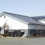 レストラントレインギャラリーとんかつ&そば処 - 奥にお店があります