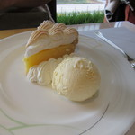 コーヒーショップ ダイニングカフェ カメリア - パイ ア・ラ・モード(レモン) 1200円