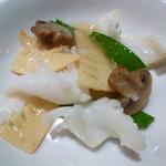 中国料理 翔 - 烏賊と筍の塩炒め