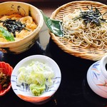 諏訪屋 蕎天坊 - 料理写真:たまご丼と蕎麦の定食。定食には取り放題のおばんざい付き
