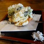 浅見製麺所 - 小海老のかき揚げ