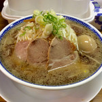 ラーメン大河 - 「ラーメン」(650円)+味玉(100円)+もやし増(無料)。