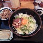 五島うどん うまかっ - 釜たま(甘辛く炊いた肉トッピング)