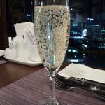 サンマルク - スパークリングワインで乾杯♪
