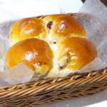 ジャーマンベーカリー - 頭脳パン(¥200)。金沢製粉の「頭脳粉」を使用(ビタミンB1を強化した小麦粉)