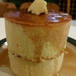 カフェ楓荘 - かなりの大きさ 楓荘のホットケーキ
