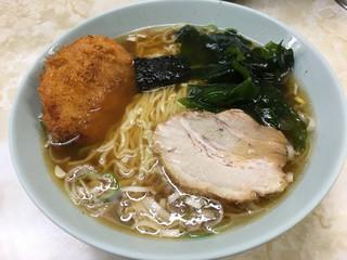 新角 - コロッケラーメン(530円)