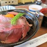 63475831 - 淡路牛の赤とろ丼(1600円)