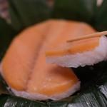 扇一 ます寿し本舗 - 鱒の寿司
