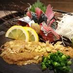 炭火・焼鳥 鶫 - 【人気の胡麻さば】天然鯖を特製胡麻ダレにたっぷり絡めてお召し上がりください