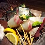 炭火・焼鳥 鶫 - こだわりの魚串は鯖や甘鯛の串焼きや、鯛で野菜を巻き上げる野菜巻き串もございます