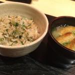 63483684 - 八皿目のシラスの炊き込み土鍋ご飯(とりわけ後、味噌汁と共に)